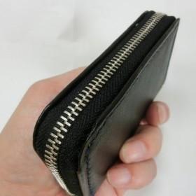 ミニラウンドファスナー財布(ブラック ステッチはブルー)