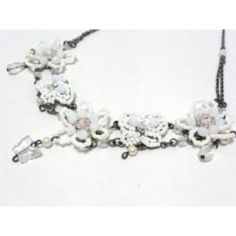 【中古】 アナスイ ANNA SUI ネックレス 金属素材 プラスチック 白 シルバー 蝶/フラワー/ビーズ