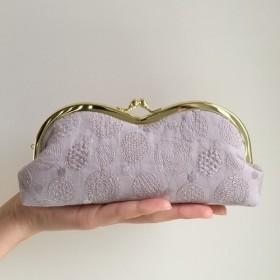 大人な刺繍 ローズベージュ めがねケース がま口 メガネ ペンケース 薄むらさき色