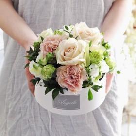 【母の日】そのまま飾れる♪生花カーネーションお任せボックスアレンジメント(アンティークピンク)