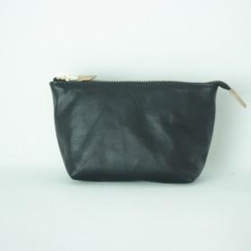 柔らかなポーチ ホースレザー ブラック 化粧ポーチ 黒