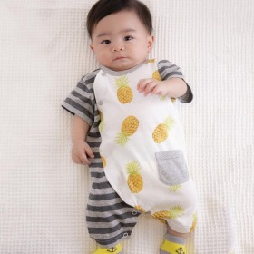 bbb6396c6dbe8 ハウス 服の赤ちゃんのよだれかけセーラー服のネクタイ  ﹝﹞青の幾何学 ...