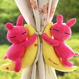 【お取り寄せ】カーテンタッセル ぬいぐるみ風 三日月と眠るウサギ 星の刺繍 パール風ボタン 2個セット (ピンク)