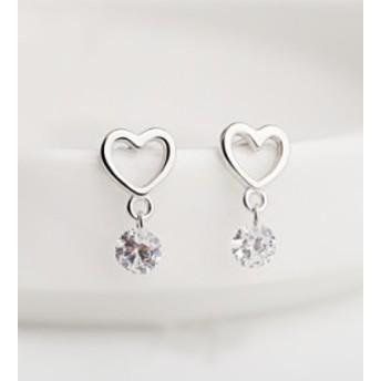 透かし彫り ダイヤモンド嵌め 人気満々 ハート形 シルバー ピアス
