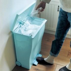 キャスター付きワイドペダル式ゴミ箱クード39L