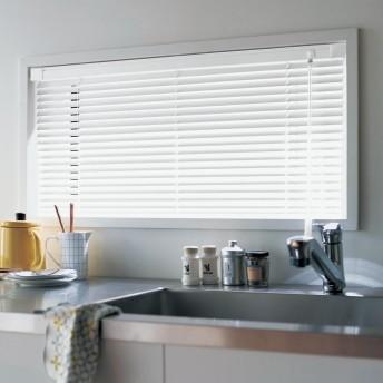 取り付け簡単。耐水仕様で水回り窓にもおすすめのつっぱりタイプのオーダーブラインド