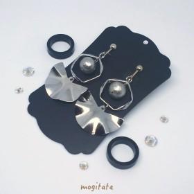 【シルバー】リングとパール 扇型メタルのイヤリング