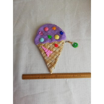 アイスクリームのポーチ