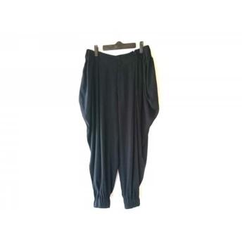 【中古】 イッセイミヤケ ISSEYMIYAKE パンツ サイズ3 L レディース 黒