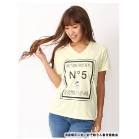 CECIL McBEE(セシルマクビー)【おそ松さんコラボ】ロゴ×キャラプリ入りVネックTシャツ