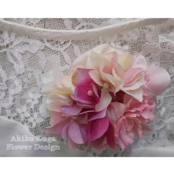 ピンクのカーネーションと紫陽花のフリルリボンコサージュ