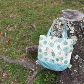 コロンとした小さめバッグ(初夏の優しい緑)