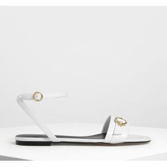ゴールドアクセント アンクルストラップフラット / Gold Accent Ankle Strap Flats (White)