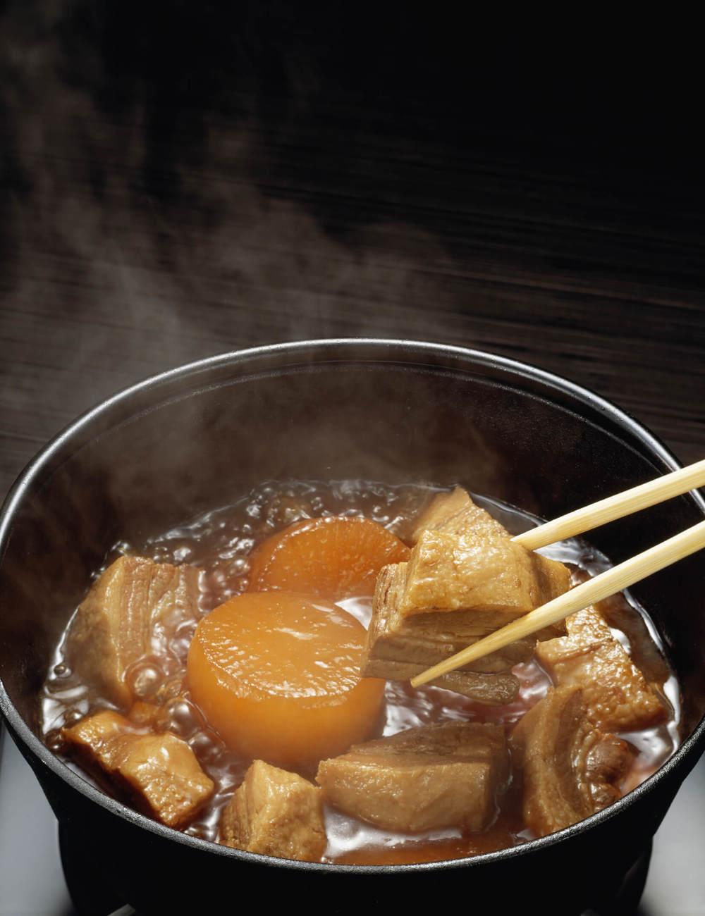 豚肉と大根の煮込み