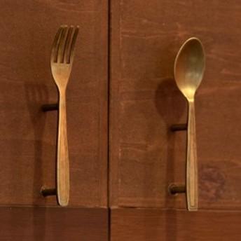 ドアハンドル スプーン フォーク型 アンティーク風 真鍮製 取っ手 オブジェ アジアン DIY 付け替え バリ雑貨
