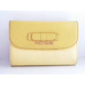 【中古】 ミュウミュウ miumiu 3つ折り財布 - イエロー リボン レザー