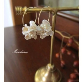 {14Kgf} bouquets de fleurs フラワーパールピアス Silver Ivory