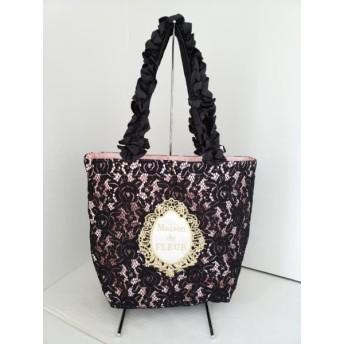 【中古】 メゾンドフルール トートバッグ 美品 黒 ピンク マルチ レース/フリル 化学繊維