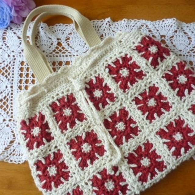 [値下げしました]モチーフ編みのミニグラニーバッグ(赤い花)