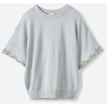 ハコ Tシャツ感覚で着られて華やか見せ カットワークすずらん刺しゅうニット レディース グレー S 【haco!】