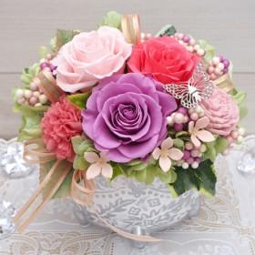 人気の花器と色です。気持ちを伝えたいなら優しいピンクをどうぞ・プリザーブドフラワーアレンジメント