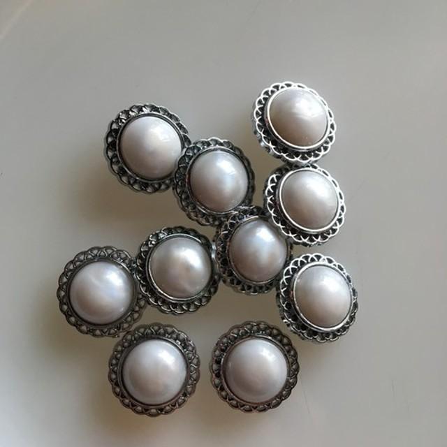 アンティーク ボタン 10個セット ビンテージ 昭和 レトロ 個性的 ハンドメイド素材 シルバー ホワイト 白 アクセ