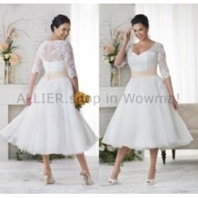 ウェディングドレス 短い茶の長さの白いウェディングドレスのサイズ3/4袖プラスブライダルガウンのレース  Short Tea Le
