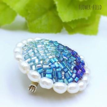 ビーズ刺繍のブローチ*淡水パールとブルーの輝き