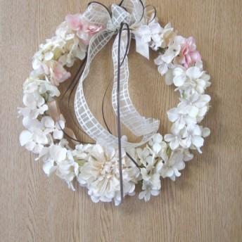 クリスマス 紫陽花とダリアのフラワーリース ・結婚のお祝い・新築各種のお祝い・記念日・贈り物・インテリア・店舗の