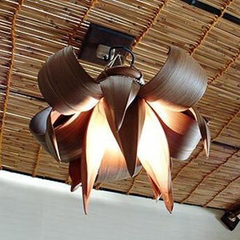 バリ照明・ペンダントランプ:ビーストの牙がグッサリ噛み合ったような獣系デザインのヤシの葉ランプ(ブラウン/ダークブラウン)