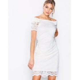 ヴィラ ボディコンドレス vizally off shoulder dress White