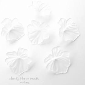 ウェディングアクセサリーに ️6pcs)cloudy flower beads