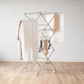 ワンピースも掛けられるステンレス製 室内物干し(日本製/大木製作所)シルバー