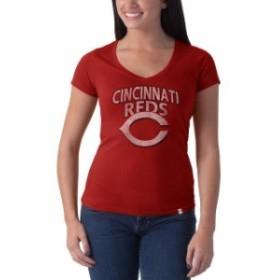 47 フォーティーセブン スポーツ用品  47 Cincinnati Reds Womens Red Flanker V-Neck Logo Tee