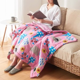 【アツコマタノ/ATSUKO MATANO】洗える肌掛け布団ハーフケット 夢見る猫ピンク