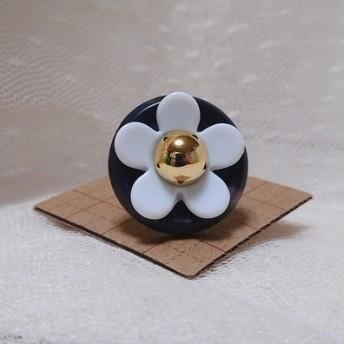 大きなお花ボタンのリング