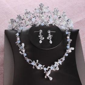 ティアラ ネックレス ピアス イヤリング 3点セット ウエディング コスプレ 髪飾り 花嫁 結婚式 ヘッドドレス イヤーアクセサリー ブライダル パー