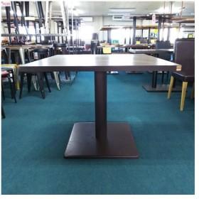 洋風テーブル  業務用 中古/送料別途見積 幅900×奥行900×高さ720