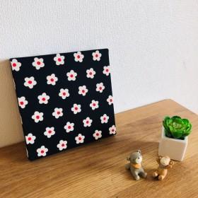 ファブリックボード 花柄 黒