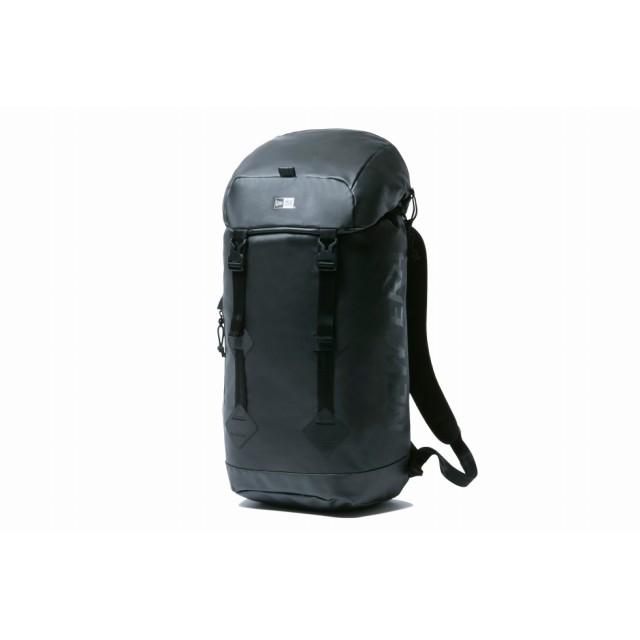 【ニューエラ公式】 ラックサック プリントロゴ ブラックターポリン × ブラック メンズ レディース ワンサイズ バックパック 11901935 NEW ERA リュック