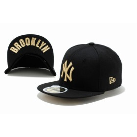【ニューエラ公式】キッズ 59FIFTY UNDERVISOR ニューヨーク・ヤンキース ブラック × ゴールド BROOKLYN 男の子 女の子 6 1/2 (52cm) MLB キャップ 帽子 11310399 NEW ERA
