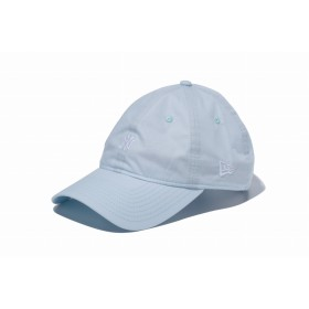 【ニューエラ公式】 9THIRTY クロスストラップ タイプライター ニューヨーク・ヤンキース サックス × ホワイト メンズ レディース 56.8 - 60.6cm MLB キャップ 帽子 11901268 NEW ERA