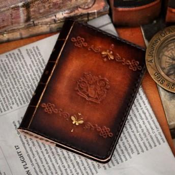 茶色の猫ロゴマークがアンティーク可愛い革の洋古書風メモ帳カバー