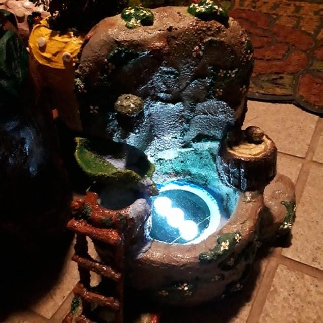 モルタル雑貨ソーラーライト 妖の森 魔法の湧水