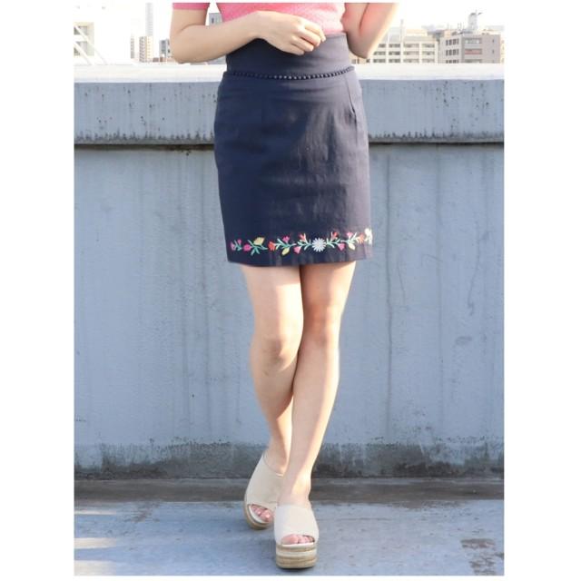 dazzlin フラワーヘム刺繍ミニスカート ネイビー
