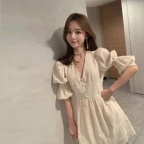 夏の折りたたみ小さな新鮮なスカートの文學的な甘いレトロなパフスリーブのドレスの夏の最初の週の新製品