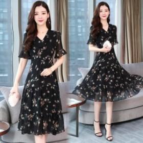 夏の新しいプリントの女性の気質のトランペットスリーブファッションステッチシフォン花柄のドレス