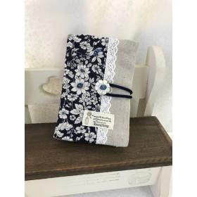 花柄のカードケース 綿ローン 紺地