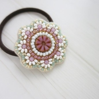 [送料無料]ビーズ刺繍◆花のヘアゴム #011 ピンク×ベージュ