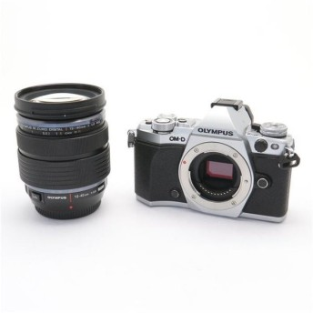 《良品》OLYMPUS OM-D E-M5 Mark II 12-40mm F2.8 レンズキット